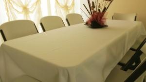 rentar sillas y mesas con manteles